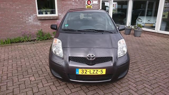 Toyota Yaris 1.0 VVTi Acces Airco Trekhaak