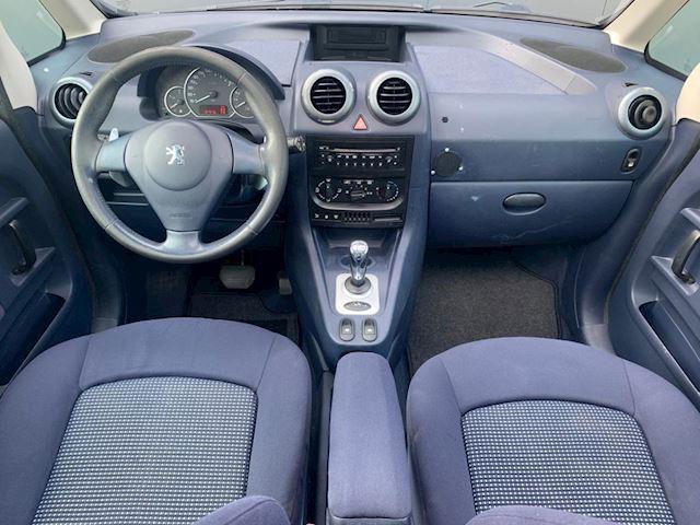 Peugeot 1007 1.4 Urban NAP, ZEER NETTE AUTO, AUTOMAAT. PANORAMADAK.