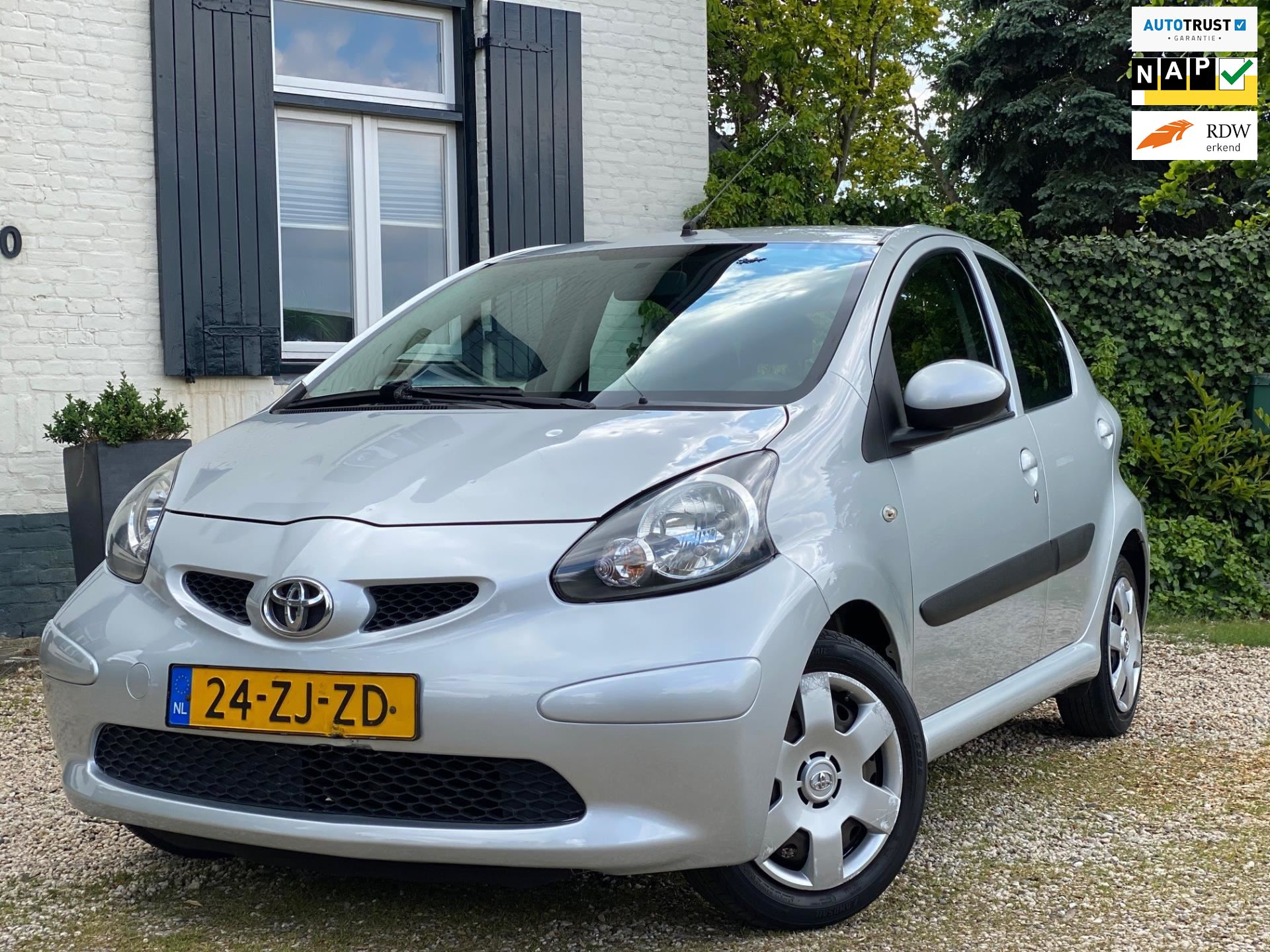 Toyota Aygo occasion - M.T.  Car's & Carcleaningcenter
