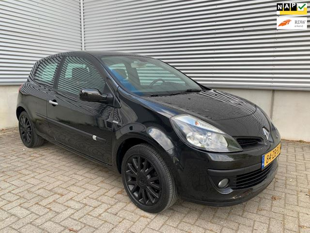 Renault Clio 2.0-16V Dynamique S groot panorama