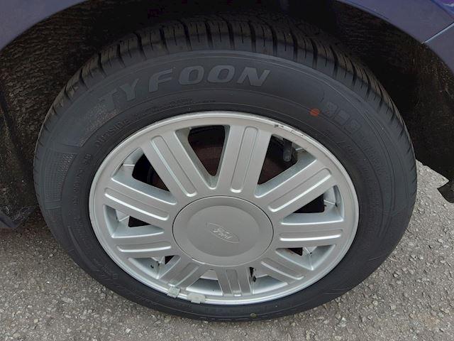 Ford Fiesta 1.6-16V Ghia
