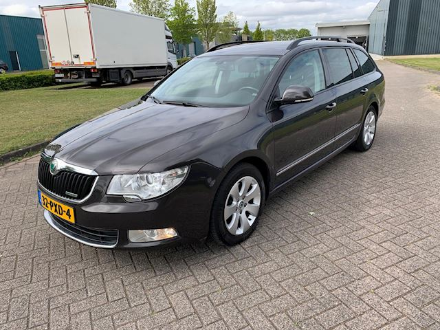 Skoda Superb Combi 1.6 TDI Greenline Comfort Business Line