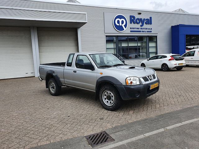 Nissan Pick-up 2.5 DTi King Cab 4X4 AIRCO NWE MOTOR 125DKM NAP NWE APK ETC..