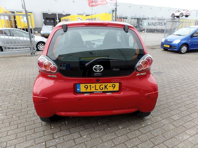 Toyota Aygo 1.0-12V Aspiration Red airco