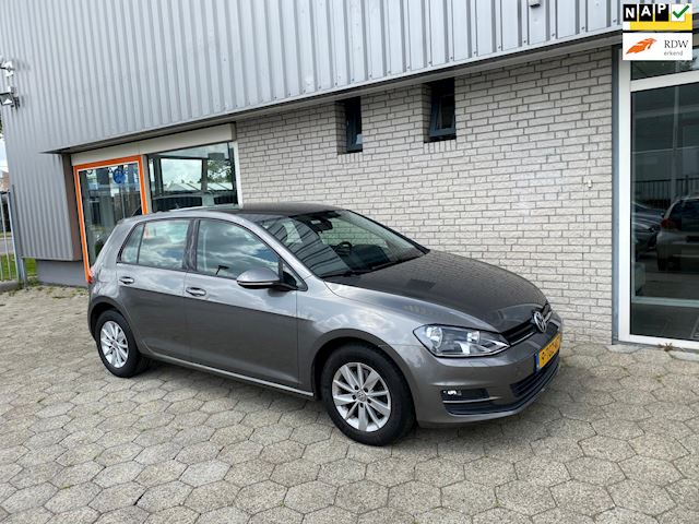 Volkswagen Golf 1.6 TDI Highline CRUISE | PDC | LANE-ASSIST