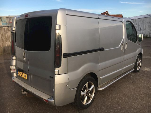 Renault Trafic 2.5 dCi L1 H1 DC