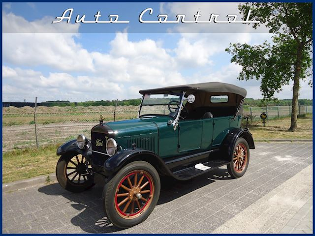 Ford USA T-Ford Model T 1927 4-door convertible