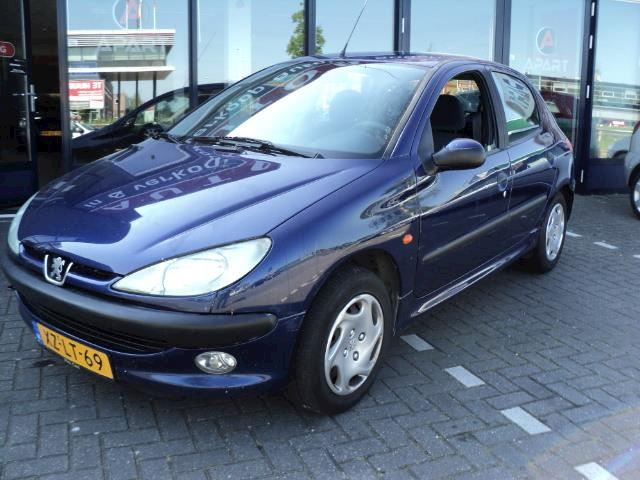 Peugeot 206 1.4 Gentry 5DRS AIRCO BJ 1999