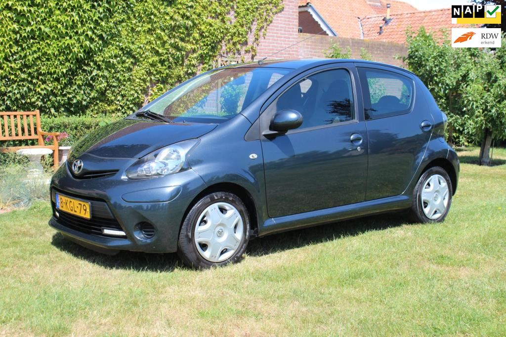 Toyota Aygo occasion - Veldhuizen Dealer Occasions