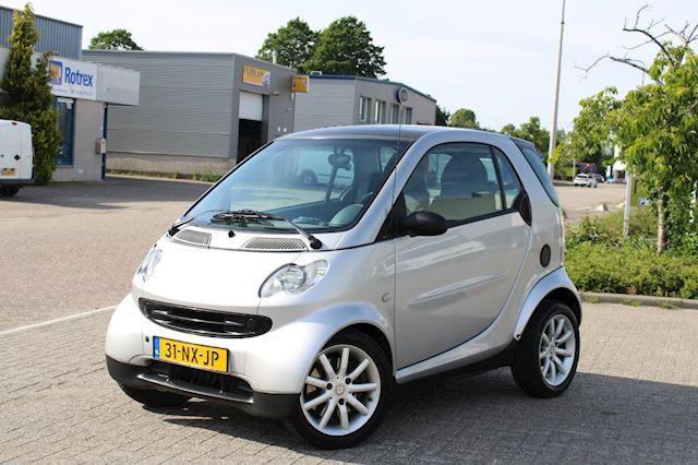 Smart Fortwo coupé 0.7 passion l AUT l AIRCO l PANO DAK l