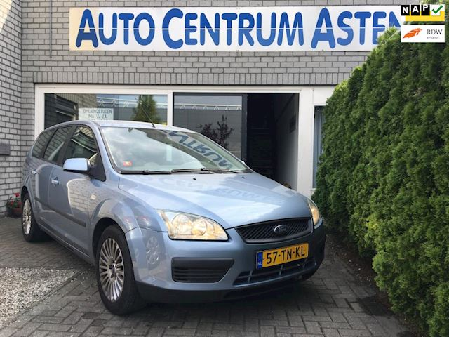 Ford Focus Wagon 1.6-16V Trend Leuke station