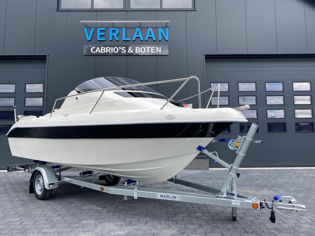 SeaRider 530 Cabin/Nieuw/Direct leverbaar/ Eventueel met nieuwe motor occasion - Verlaan Cabrio's en Boten