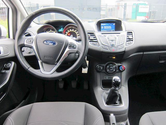 Ford Fiesta 1.5 TDCi Style Lease NAVI CRUISE AIRCO APK 06-2021 DEALERAUTO!!