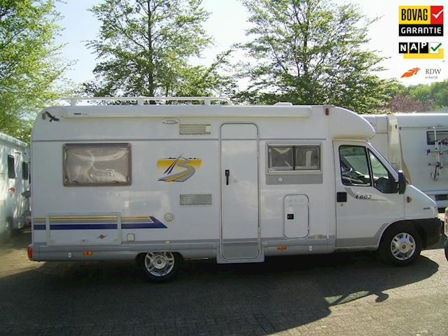 vk Burstner T602 Semi integraal Bj 2003 vast bed
