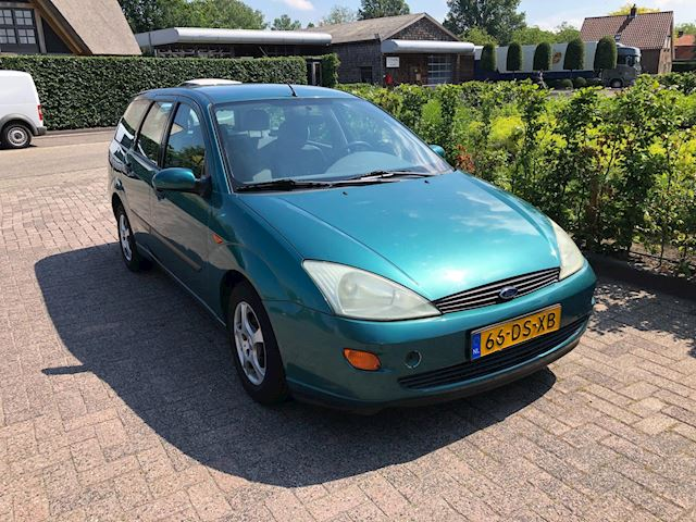 Ford Focus Wagon 1.6-16V Ambiente automaat