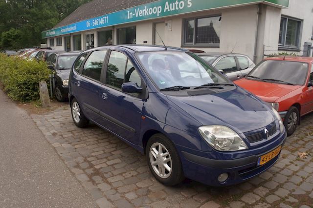 Renault Scénic 1.6-16V clima , trekhaak , nw apk tot 23-11-2021