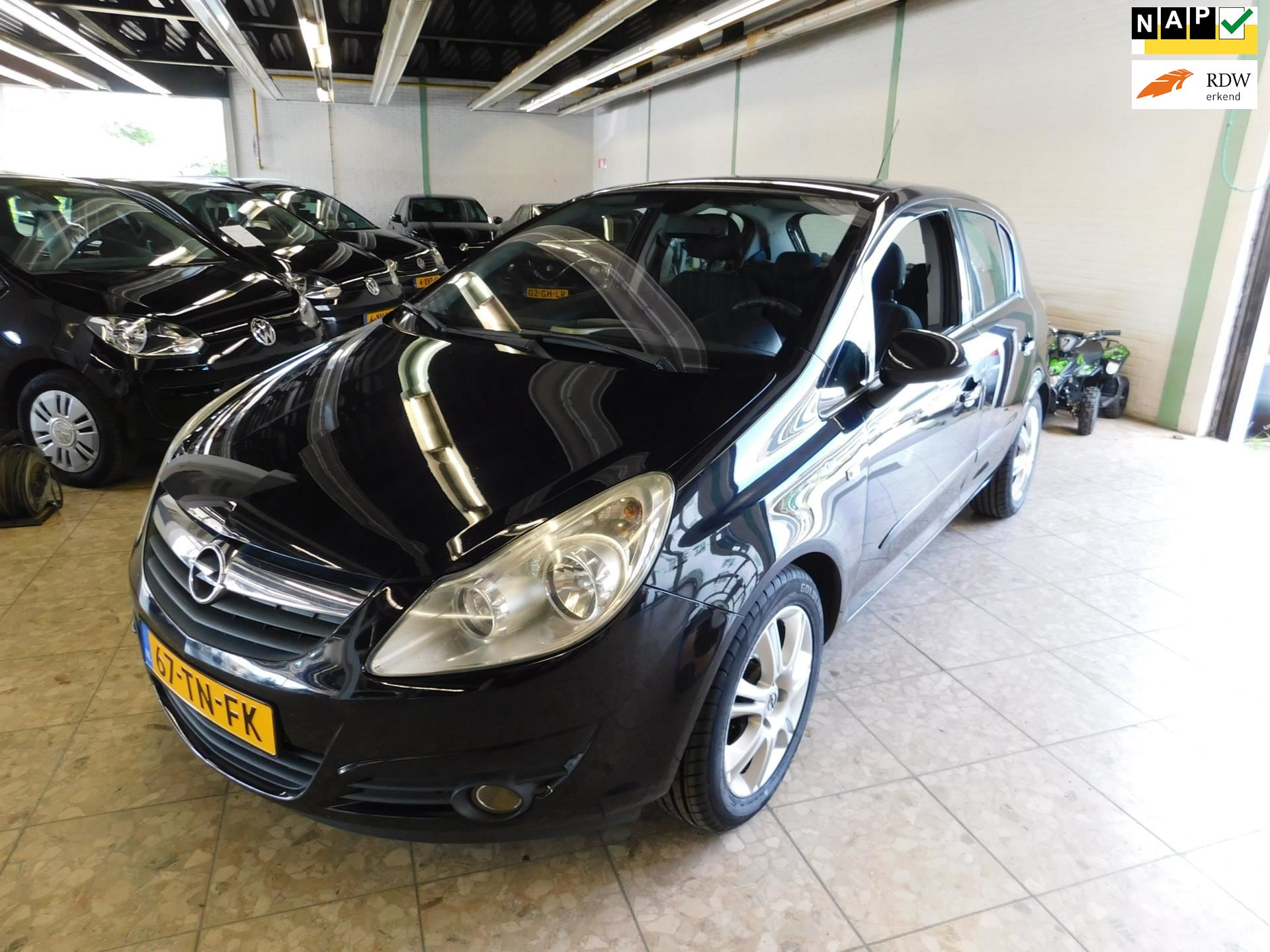 Opel Corsa occasion - Carl's Car Services BV