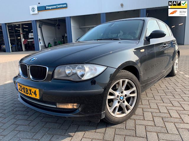BMW 1-serie 116i Business Line / 5 drs 2009