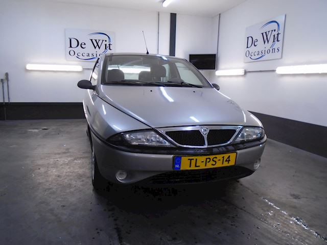 Lancia Ypsilon 1.2 LS in NETTE STAAT incl. NWE APK !!