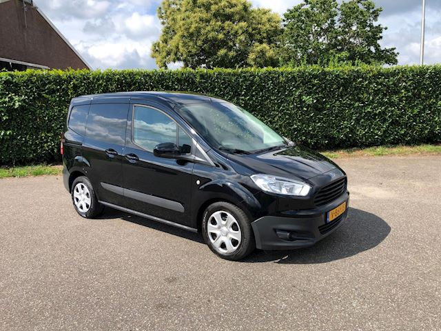 Ford Transit Courier occasion - Bartels Auto's