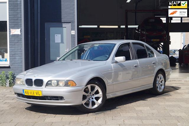 BMW 5-serie 525i Executive / Clima / Cruise / PDC / Automaat
