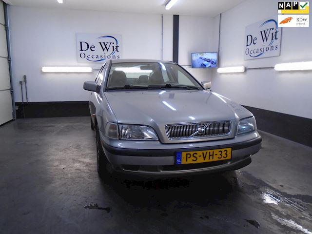 Volvo S40 2.0 Luxury incl. NWE APK !!