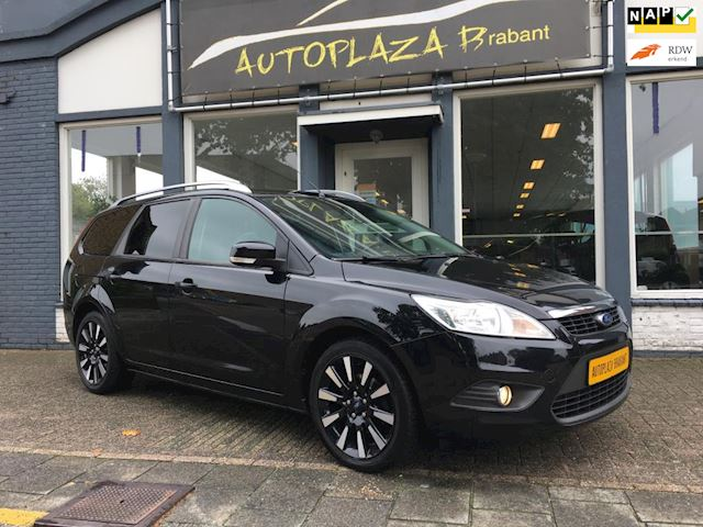 Ford Focus Wagon 1.8 Titanium /BLACK MAGIC/ AIRCO/ 17 INCH VELGEN/ AUX