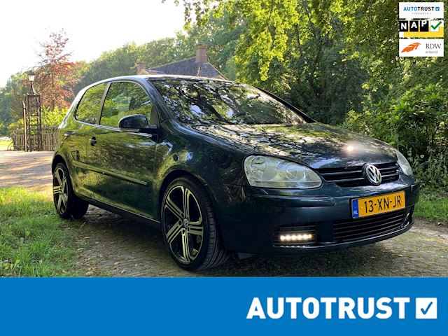Volkswagen Golf 1.6 FSI Optive 4