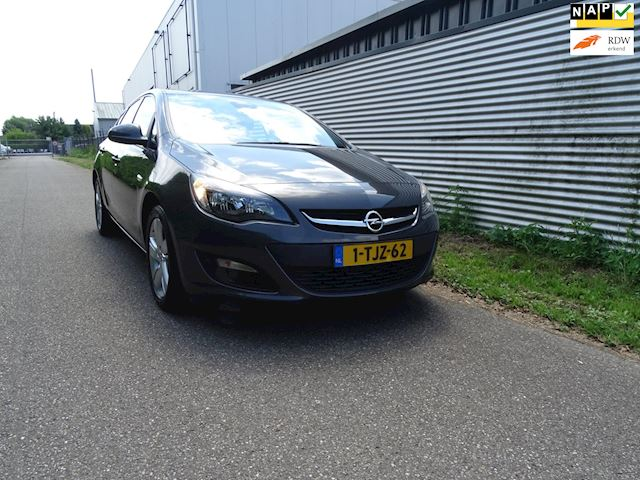 Opel Astra 1.4 Turbo Berlin