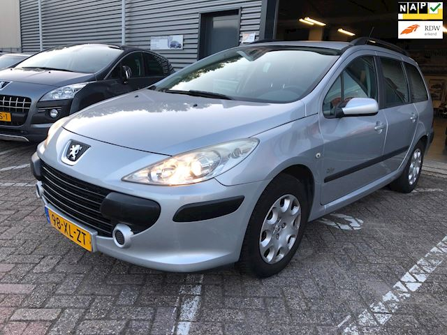 Peugeot 307 Break 1.6-16V D.Sign Airco electrische ramen+spiegels cruise controle trekhaak cd-speler dealeronderhoud