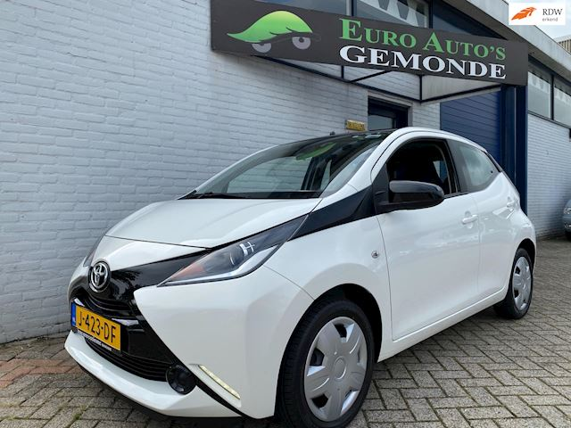 Toyota Aygo Black Edition AIRCO AUTOMAAT IN TOP STAAT