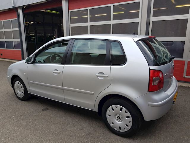 Volkswagen Polo 1.4-16V Athene Automaat