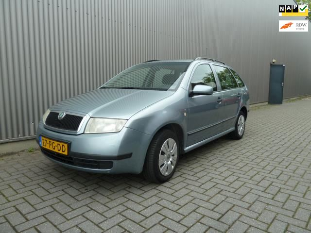 Skoda Fabia Combi 1.4-16V Choice /Airco/Audio/Dealer onderhouden.