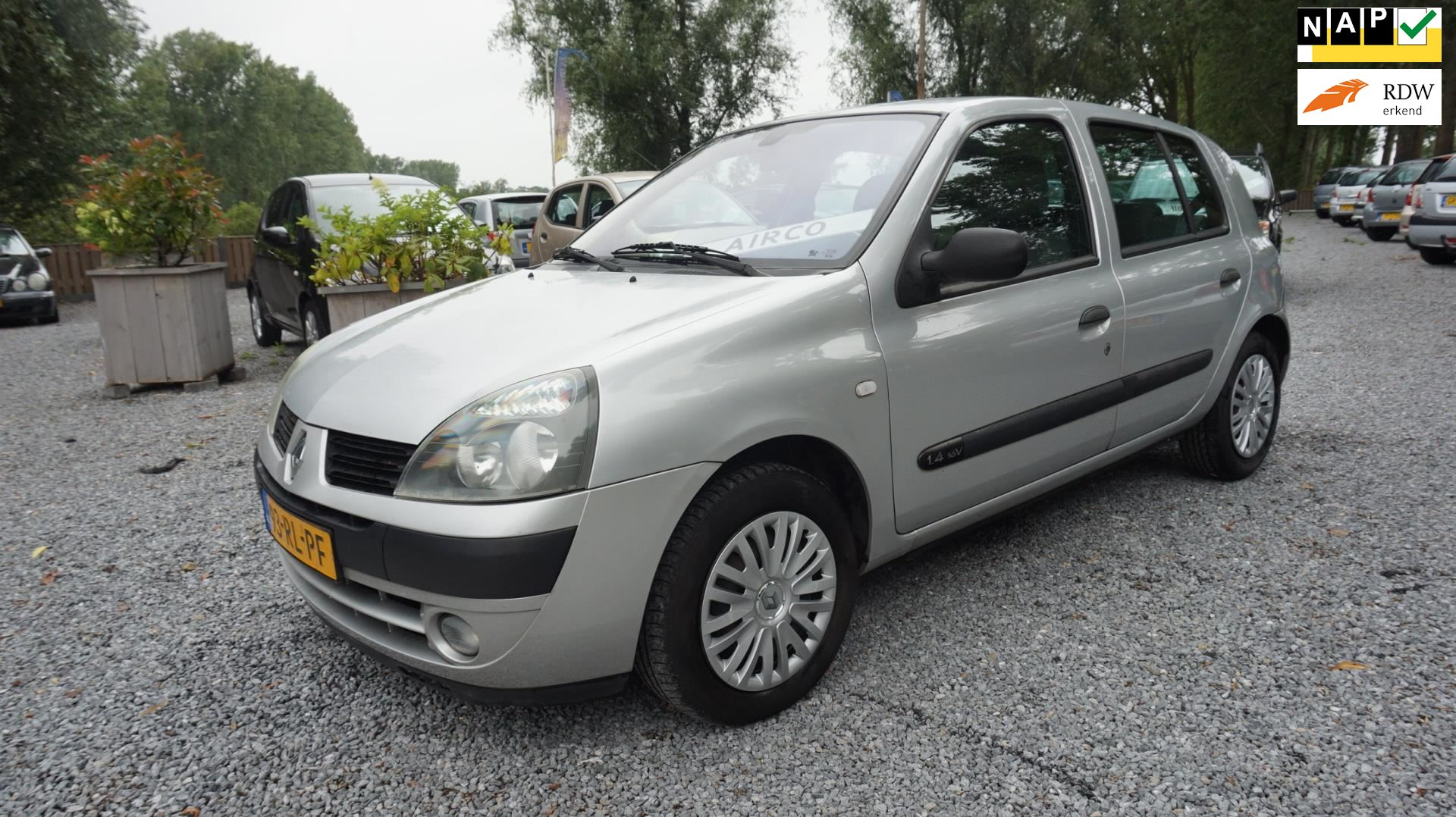 Renault Clio occasion - Ferry Meulenbroek Auto's