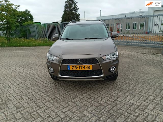 Mitsubishi Outlander 2.2 DI-D Edition Two TC-SST