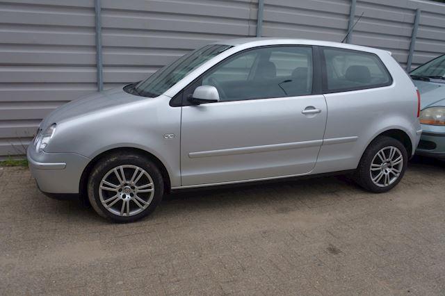 Volkswagen Polo 1.4-16V airco , lm.velgen apk tot 24-11-2020