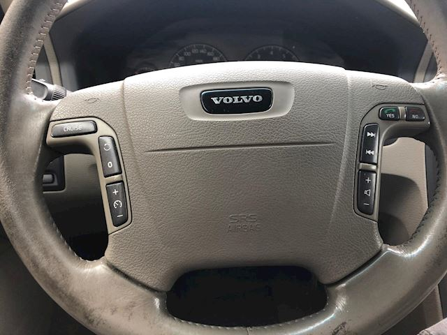 Volvo V70 Cross Country 2.4 T Comfort Line XC70, Airco,7-pers, leer, navi, Youngtimer!!