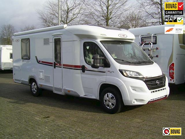 LMC Cruiser Comfort 602 Semi integraal Queensbed bj 2017