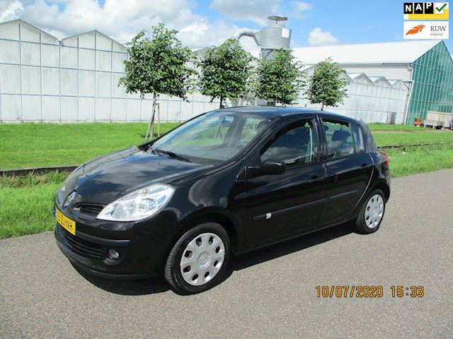 Renault Clio 1.2-16V Special Line 5 Drs met Airco