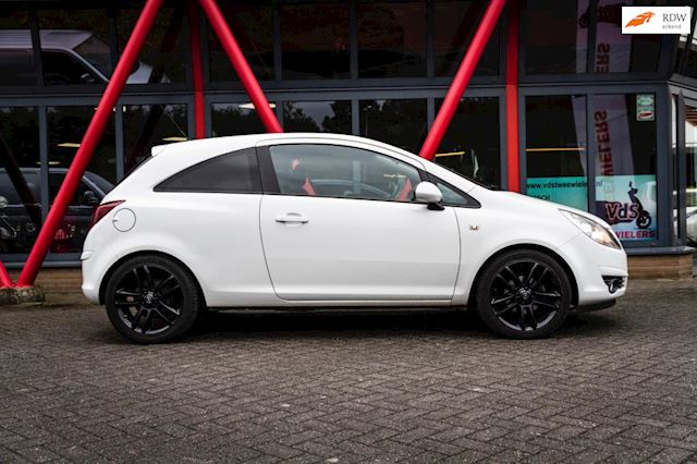 Opel Corsa 1.4-16V Color Edition 67000 km + Airco Nieuwstaat