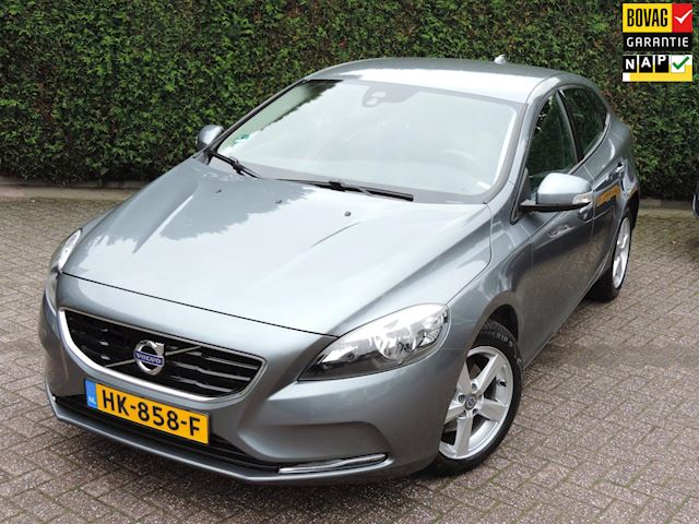 Volvo V40 2.0 D2 Kinetic Business | LED | Navigatie | PDC | Cruise control |