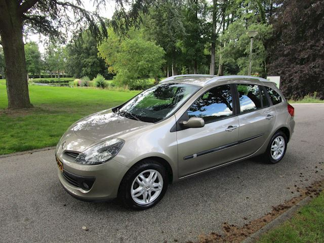 Renault Clio Estate 1.6-16V Corporate Sport ,automaat,airco, cruise control,flippers