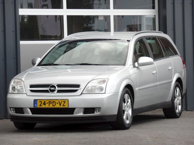 Opel Vectra Wagon 1.8-16V Elegance, Climate control, Cruise control, Trekhaak, Apk 06-2021