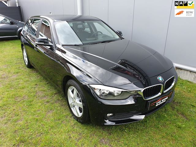 BMW 3-serie 318d xDrive Business  navigatie