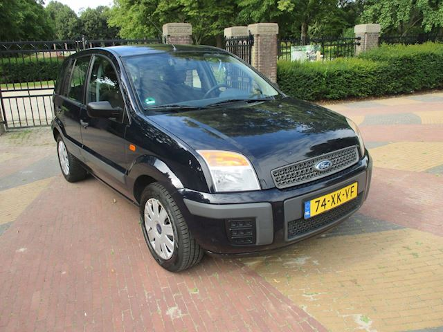 Ford Fusion 1.4-16V Champion
