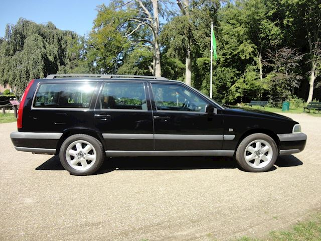 Volvo V70 2.5 T AWD XC70 ! YOUNGTIMER !