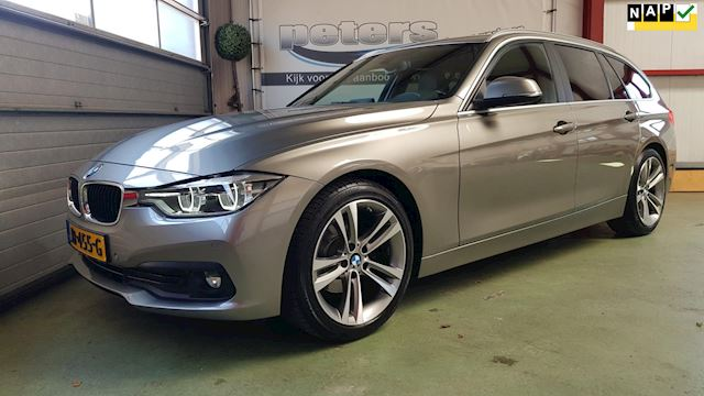 BMW 3-serie Touring 320d EDE High Executive Led Afn Trekhaak Groot Navi