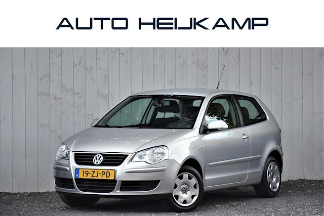 Volkswagen Polo 1.4-16V Optive Automaat