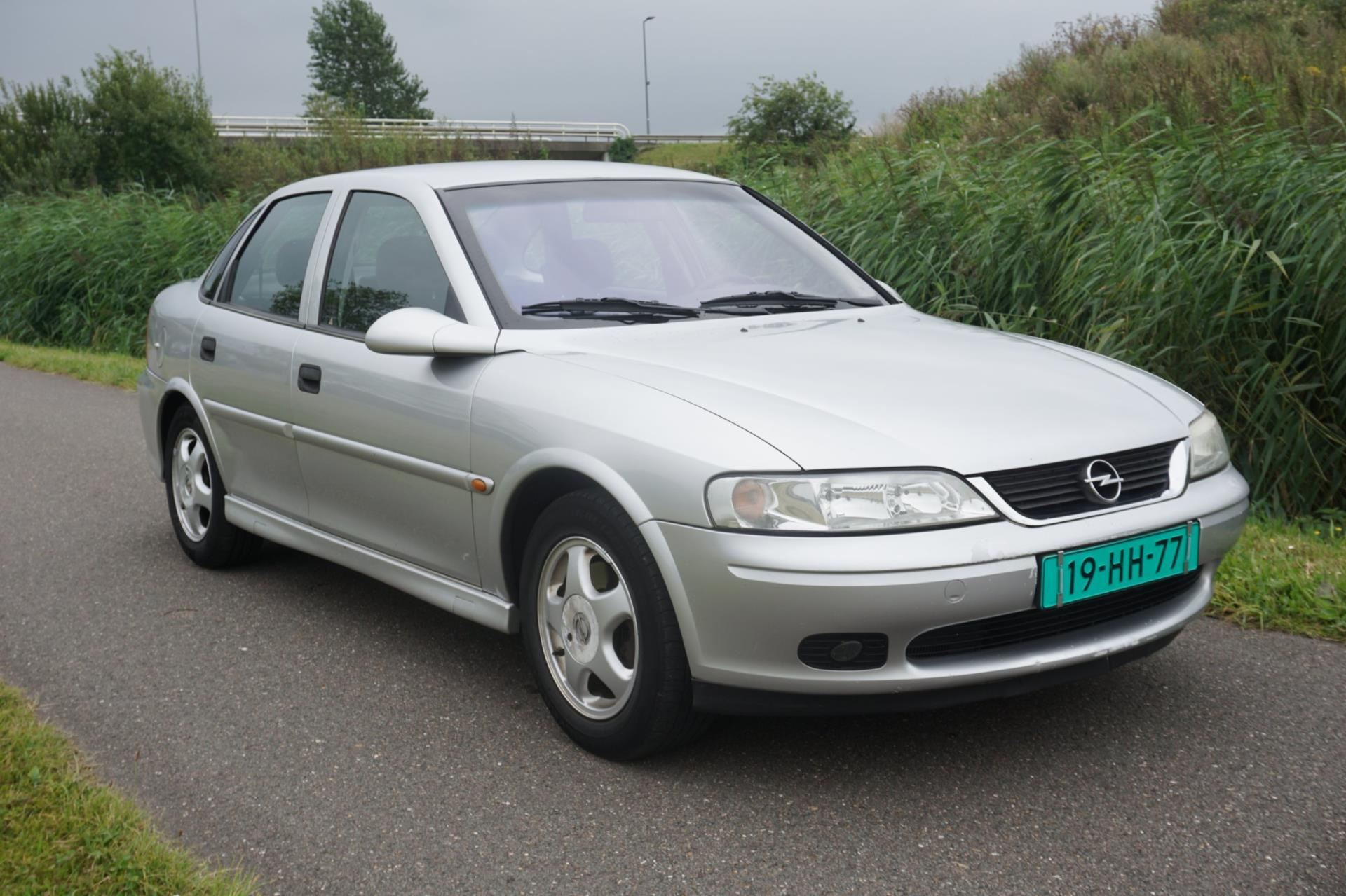 Opel Vectra occasion - Megamart nl