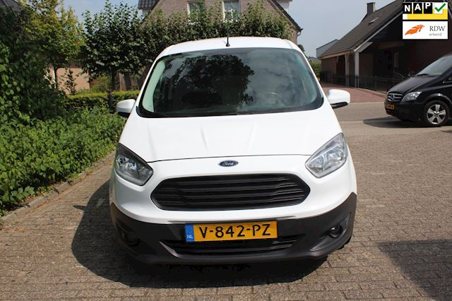 Ford Transit Courier occasion - Autogroothandel Ammerzoden